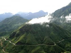 Trải nghiệm cảm giác phiêu lưu  tại các địa điểm du lịch nổi tiếng Lai Châu