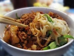 Những món ăn vặt khó lòng cưỡng nổi ở Lạng Sơn