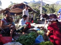Chợ một giá nét đặc trưng của vùng cao Yên Bái