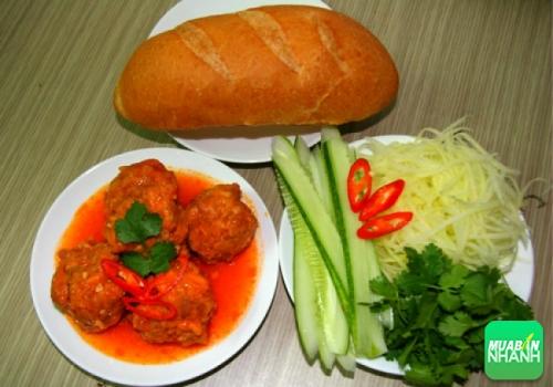 Bánh mì xíu mại - Món ăn không nên bỏ lỡ khi đến Đà Lạt