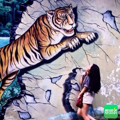 Các bạn có thể tha hồ tạo dáng chụp hình tại Thảo Cầm Viên cùng hình thù các con thú hoặc các con thú